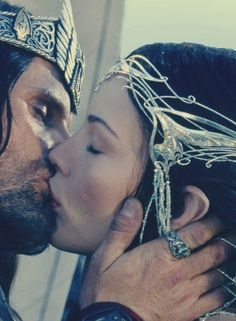 Viggo Mortensen and Liv Tyler as Aragorn & Arwen from The Lord of the Rings: The Fellowship of the Ring (2001)