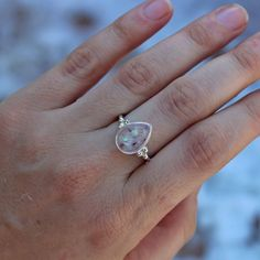 Breastmilk preserved in a solid rose gold setting with umbilical stump and magenta shimmer glaze. Breastfeeding Art, Keepsake Rings, Gold Set, Magenta, Glaze, Heart Ring, Keepsakes, Silver Rings, Rose Gold