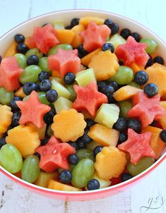 The BEST 5 Ingredient Fresh Fruit Salad   Whether you signed up to bring fruit to a summer BBQ or just want a bowl in the fridge to snack on all week you need to try this easy recipe. Make ahead for your next party because it feeds a crowd! This healthy salad is perfect for the holidays or breakfast and brunch. Watermelon, cantelope, grapes, blueberries, and the delicious tropical flavors of pineapple make this simple recipe truly special!