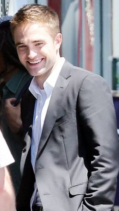 Robsten Dreams  More Hq Pics Of Rob On The Set Of Mtts Yesterday August