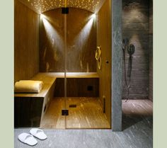 steam room/shower