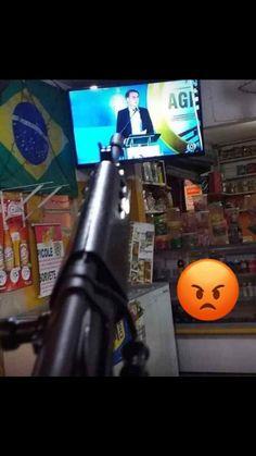 Favelas Brazil, I Kill People, Arte Hip Hop, Bad Girl Aesthetic, Tumblr Wallpaper, Guns And Ammo, Outdoor Power Equipment, How To Make Money, Screensaver