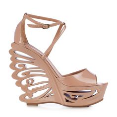 Extreme Le Silla wedge sandal with butterfly cut-out. #lesilla #springsummer #pink