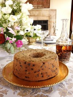 History and a traditional recipe for Kentucky Bourbon Whiskey Cake from food historian Gil Marks. Bourbon spiced cake filled with dried fruit and nuts. A beautiful cake for holidays! Bourbon Cake, Whiskey Cake, Bourbon Whiskey, Whiskey Fruit Cake Recipe, Just Desserts, Delicious Desserts, Dessert Recipes, Cupcake Recipes, Cookie Recipes