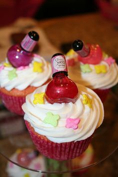 I think we may be having a spa make up party, had Piper look at this with me and she's picking make up stuff or stuff not affordable lol   spa party cupcakes, very cute idea for a girls birthday party!