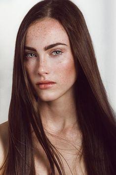 Elissa - Femmes - Mannequin - Agence ema Redheads Freckles, Freckles Girl, Beautiful Freckles, Beautiful Eyes, Elissa, Freckle Face, Estilo Hippie, Model Face, Natural Face
