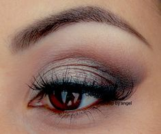 I used Wet N Wild Comfort Zone palette and Inglot shadows for this look