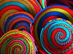 South African baskets woven from recycled telephone wire in rainbow colors Afrique Art, Art Africain, Creation Couture, We Are The World, Arte Popular, Art Graphique, World Of Color, Weaving Techniques, Basket Weaving