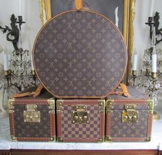 RESERVED For N Louis Vuitton Boite Flacons Beauty Cosmetic Case Suitcase 8f33dfc363567