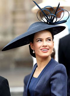 Sophie Winkleman, Lady Frederick Windsor arrives to attend the Royal Wedding of Prince William to Catherine Middleton at Westminster Abbey on April 2011 in London, England. The marriage of the. Get premium, high resolution news photos at Getty Images Fancy Hats, Cool Hats, Sombreros Fascinator, Fascinators, Headpieces, Philip Treacy Hats, Estilo Real, Crazy Hats, Wearing A Hat