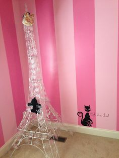 Love the little cat....find a vinyl decal for girls' room