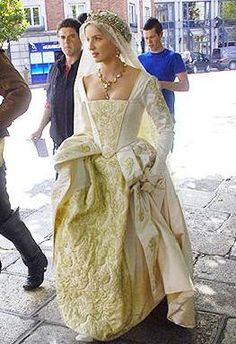 Costume: This is an actress portraying Jane Seymour in the HBO series The Tudors