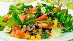 Această salată cu ton se prepară din ingrediente simple, dar perfect combinate, din care obțineți un aperitiv ușor, sănătos și foarte delicios. Este foarte bogată în vitamine și o puteți servi împreună cu orice garnitură Cobb Salad, Orice, Cooking Recipes, Food, Youtube, Salads, Chef Recipes, Essen, Eten