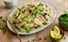 Get your dose of Omega 3 with this quick and easy salmon and pea penne. If you love seafood, then not only will you find this recipe tempting, but it will Romantic Recipes, Romantic Meals, Omega 3, What To Cook, Penne, Taste Buds, Easy Dinner Recipes, Lunches, Pasta Salad
