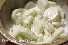 Classic Sour Cream Cucumber and Onion Salad - A cucumber and sweet Vidalia onion salad, dressed with a vinegar and sour cream dill dressing. Definitely a Southern favorite! Use cup vinegar and sugar and omit the sour cream. Creamed Cucumber Salad, Creamed Cucumbers, Cucumbers And Onions, Cucumber Recipes, Salad Recipes, Cucumber Onion Vinegar, Green Onions, Sour Cream Cucumbers, Tarte Caramel