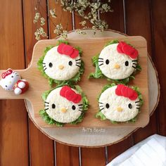 Hello Kitty sandwiches by AnT's Bento ( Toddler Meals, Kids Meals, Food Art For Kids, Creative Food Art, Cute Bento, Breakfast Plate, Cute Desserts, Food Humor, Kid Friendly Meals