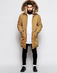 Insulated down coat and the Parka jacket are the two true super heroes winter jackets of the harsh winter weather. Streetwear, Fishtail Parka, Style Casual, Style Men, Street Style, Winter Wear, Mens Winter Coat, Fall Winter, Fashion Clothes