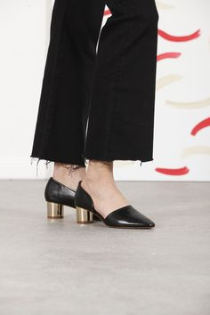 73 best Shuzz SOMMOI images on Pinterest in 2018   Beautiful shoes ... 5b639d6c53d4