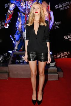Try a black blazer and black leather shorts for a fun night out. // #NicolaPeltz #RedCarpet #CelebrityStyle