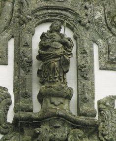 Statua della Santa. Nel sito vi sono ulteriori foto ed informazioni sull'edificio