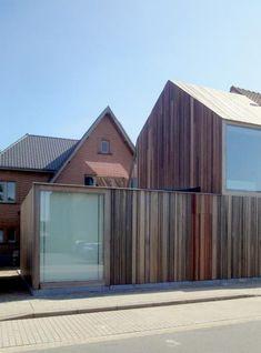 Declerck-Daels Architecten - Tandartsenpraktijk - houten gevelbekleding