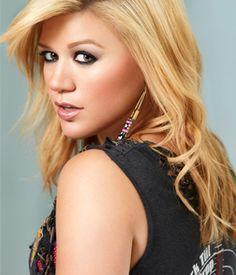 Kelly Clarkson - season 1 winner of Idol