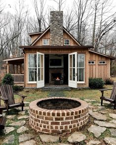 Very ok with this Christmas cabin situation. We've got our pup lots of yummy food to cook and bake a Dwight Schrute jigsaw puzzle a cozy Very ok with this Christmas cabin situation. Tiny House Cabin, Cabin Homes, Cozy House, Tiny Cabin Plans, Eco Cabin, Cabana, Little Cabin, Cabins And Cottages, Small Cabins