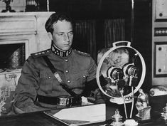 King Leopold III of Belgium - making a broadcast speech at the microphone, possibly close to the time of the invasion of Belgium. (Photo by Hulton Archive/Getty Images) - pin by Paolo Marzioli King Leopold, World War Two, Belgium, Wwii, Battle, Two By Two, Memories, People, Image