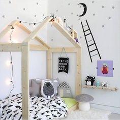 casita de madera para dormitorio infantil