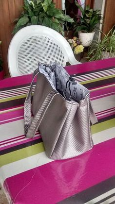 Couture Sewing, Vanessa Bruno, Fashion Bags, Gym Bag, Deco, Crochet, Blog, Fabric, Style