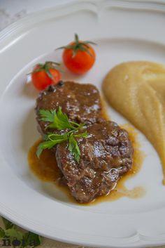 Iberian pork cheeks wine | Carrilleras de cerdo ibérico al vino | afreirpimientos
