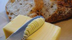 どうやらバターの悩みは世界中の人が共有しているよう。最新の技術とデザインでバターナイフは進化した。