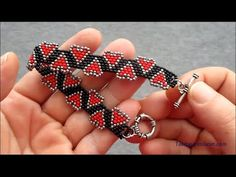 Beaded Bracelets Tutorial, Beaded Bracelet Patterns, Seed Bead Patterns, Beading Patterns, Bead Jewellery, Jewelery, Beaded Rings, Beaded Necklace, Bead Loom Designs