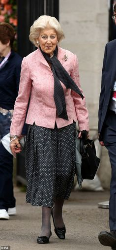 Princess Alexandra sported a black and white polka dot ensemble with a pink jacket to attend the RHS Chelsea Flower Show Duke And Duchess, Duchess Of Cambridge, Princess Alexandra, Chelsea Flower Show, Green Coat, Prince William And Kate, Pink Jacket, Erdem, Floral Maxi Dress