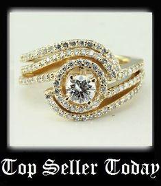 Halo Torsion Set || Round Cut Diamond Wedding Set With White Diamond In 14K Yellow Gold