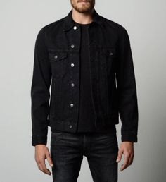 Mens denim jacket in worn black in 2019 clothing moda mascul Black Denim Jacket Men, Denim Jacket Fashion, Lined Denim Jacket, Denim Jackets, Leather Jackets, Mens Fashion Casual Shoes, Mens Fashion Suits, Casual Outfits, Men Casual