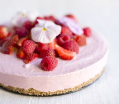 Pink cheesecake - no sugar, butter or flour