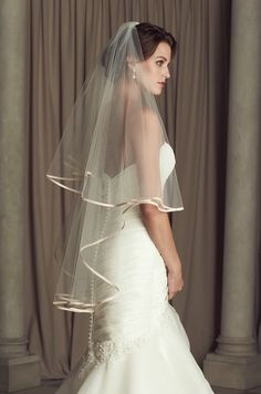 Veil 442 | Paloma Blanca. This veil is perfect with Paloma Blanca dresses 4450 and 4453! Both in the Blush color!