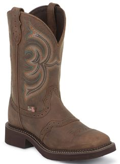 Justin Gypsy Cowgirl Boots - Square Toe - love them. Just bought them. The most comfy boot! Brown Cowgirl Boots, Womens Cowgirl Boots, Western Boots, Western Cowboy, Gypsy Boots, Gypsy Cowgirl, Cowgirl Style, Country Boots, Country Outfits