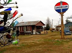 The Shack Up Inn, Clarksdale Mississippi. Made of old sharecropper's shacks! SO COOL! http://www.gypsynester.com/blues.htm