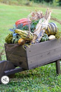 How to make a Wooden Wheelbarrow Planter - Free Plans - Fall Wheelbarrow Outdoor Pumpkin Display - Value *I can't find my wheel barrow planter--disappeared here* Diy Wood Projects, Outdoor Projects, Diy Projects To Try, Wood Crafts, Rustic Crafts, Red Bathroom Decor, Garden Bathroom, Wheelbarrow Planter, Pumpkin Display