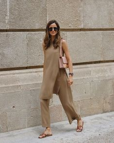 Summer Fashion Tips .Summer Fashion Tips Mode Outfits, Casual Outfits, Fashion Outfits, Womens Fashion, Fashion Tips, Fashion Trends, Fashion Hacks, Ladies Fashion, Modest Fashion