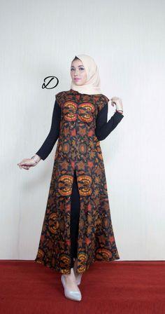 Call Order Whatsapp ( Text Only ) 082-135-313-738 Pin BB D919D352 Dress Brokat, Kebaya Dress, Batik Fashion, Fashion Sewing, Muslim Fashion, Hijab Fashion, Batik Muslim, Outer Batik, Batik Couple