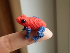 poison dart frog amigurumi.