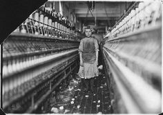 Little spinner in Globe Cotton Mill, Augusta, Georgia. Overseer said she was regularly employed. Photograph by Lewis Wickes Hine, January Empire State Building, Old Photos, Vintage Photos, Antique Photos, Wisconsin, Lewis Hine, Cotton Mill, King Cotton, New York