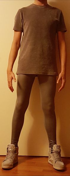 Mens legs have been ignored for way too long. Lycra Men, Lycra Spandex, Skinny Guys, Super Skinny Jeans, Skinny Fashion, Mens Tights, Lace Socks, Comfy Pants, Boys Jeans