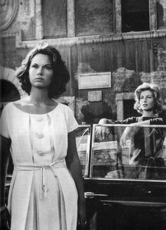 Monica #Vitti e Lea #Massari - ¬'avventura di #Antonioni