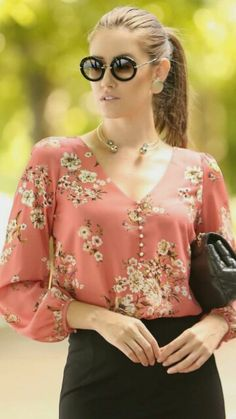 Fashion Vestidos, Women's Fashion Dresses, Dress Outfits, Casual Outfits, Clothing Hacks, Elegant Outfit, Blouses For Women, Dress Patterns, Clothes