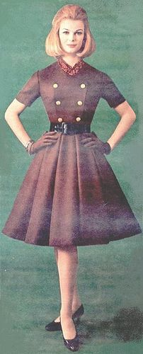pretty a-line, box pleats, great belt and buttons/bodice -- 60's fashion #TuscanyAgriturismoGiratola