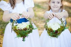 DIY moss and tree branch flowergirl baskets... Love this idea